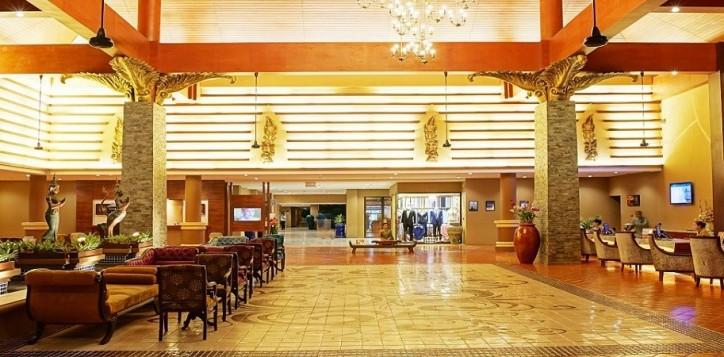 lobby-041-2