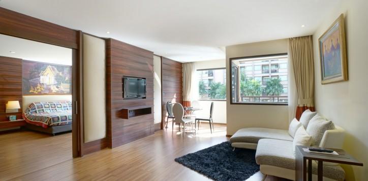 room-suite-01-2