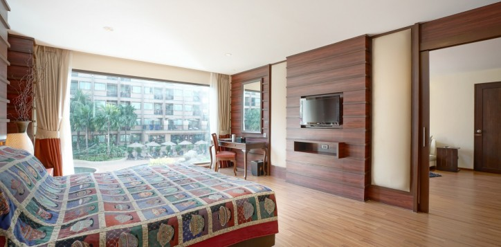 room-suite-04-2