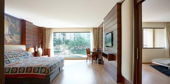 room-suite-06-2