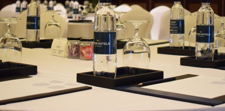 novotel-phuket-vintage-park-meeting-table-mice2-2