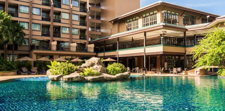 novotel-phuket-vintage-park-pool-lagoon-v3-bg-2