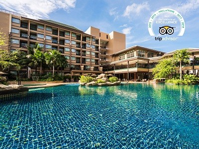 novotel-phuket-vintage-park-pool-hall-of-fame-2